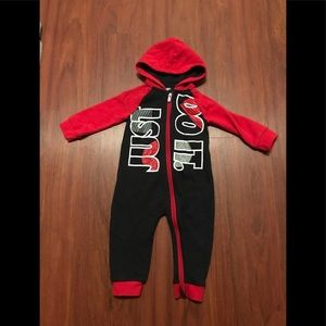3/20$ Nike just so it one piece zip up outfit 18 months